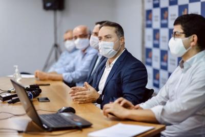 Governador Renan Filho destacou, durante coletiva, que critérios para mudança de fases seguem matriz com indicadores da Saúde