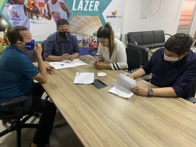 A assinatura dos contratos de patrocínio aconteceu na sede da Selaj